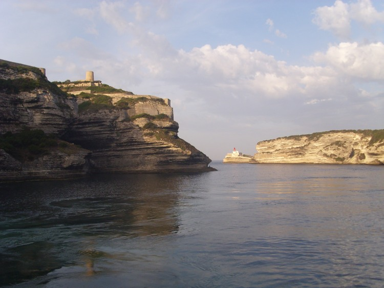 traghetto a Bonifacio