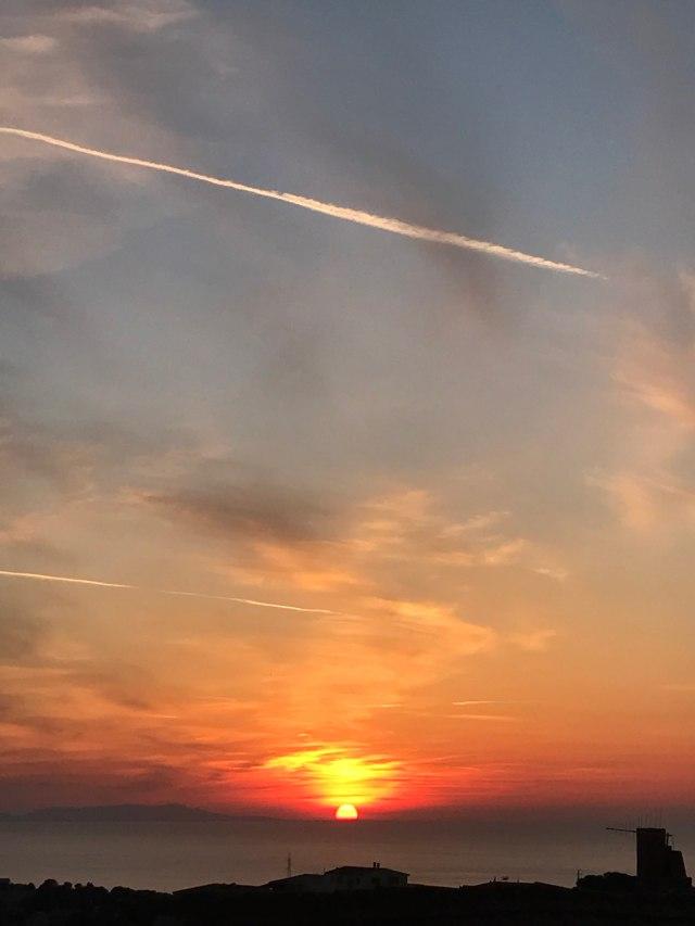 color tramonto fuoco casa mia